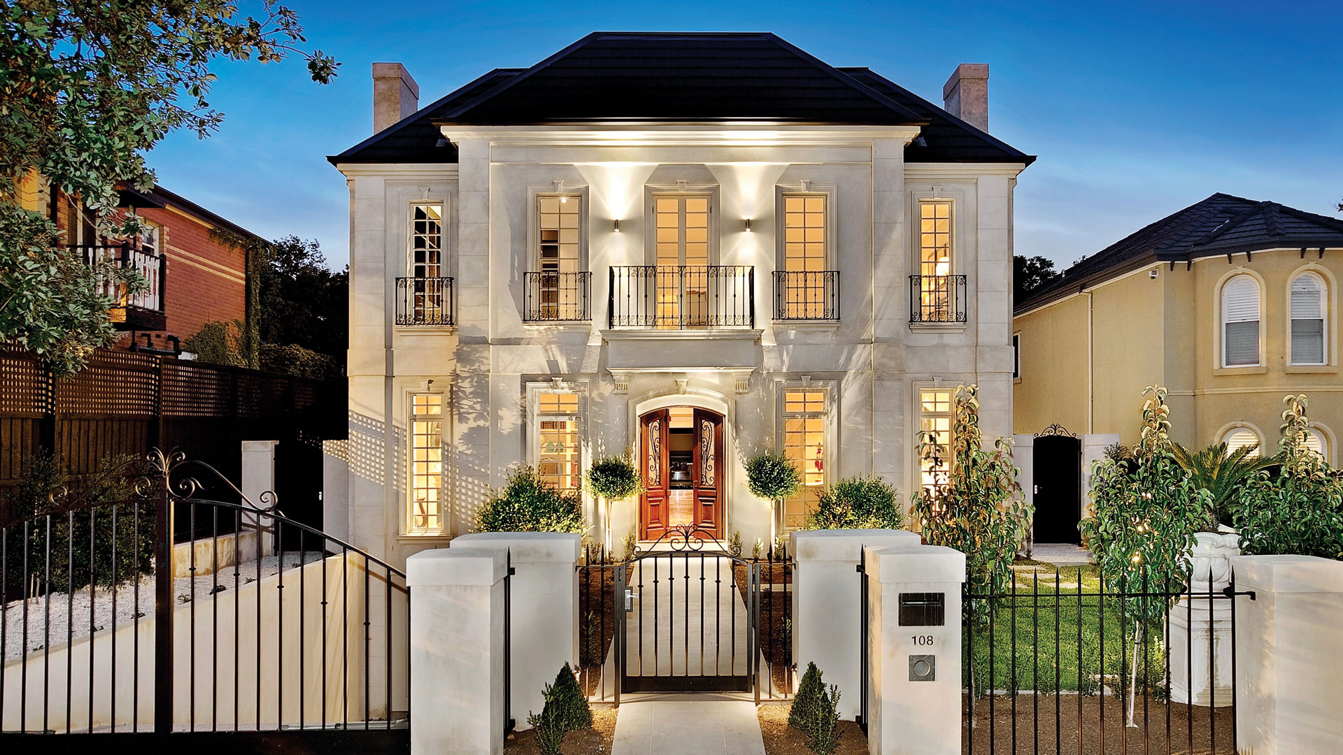 Classic home design home design for Classic house design exterior